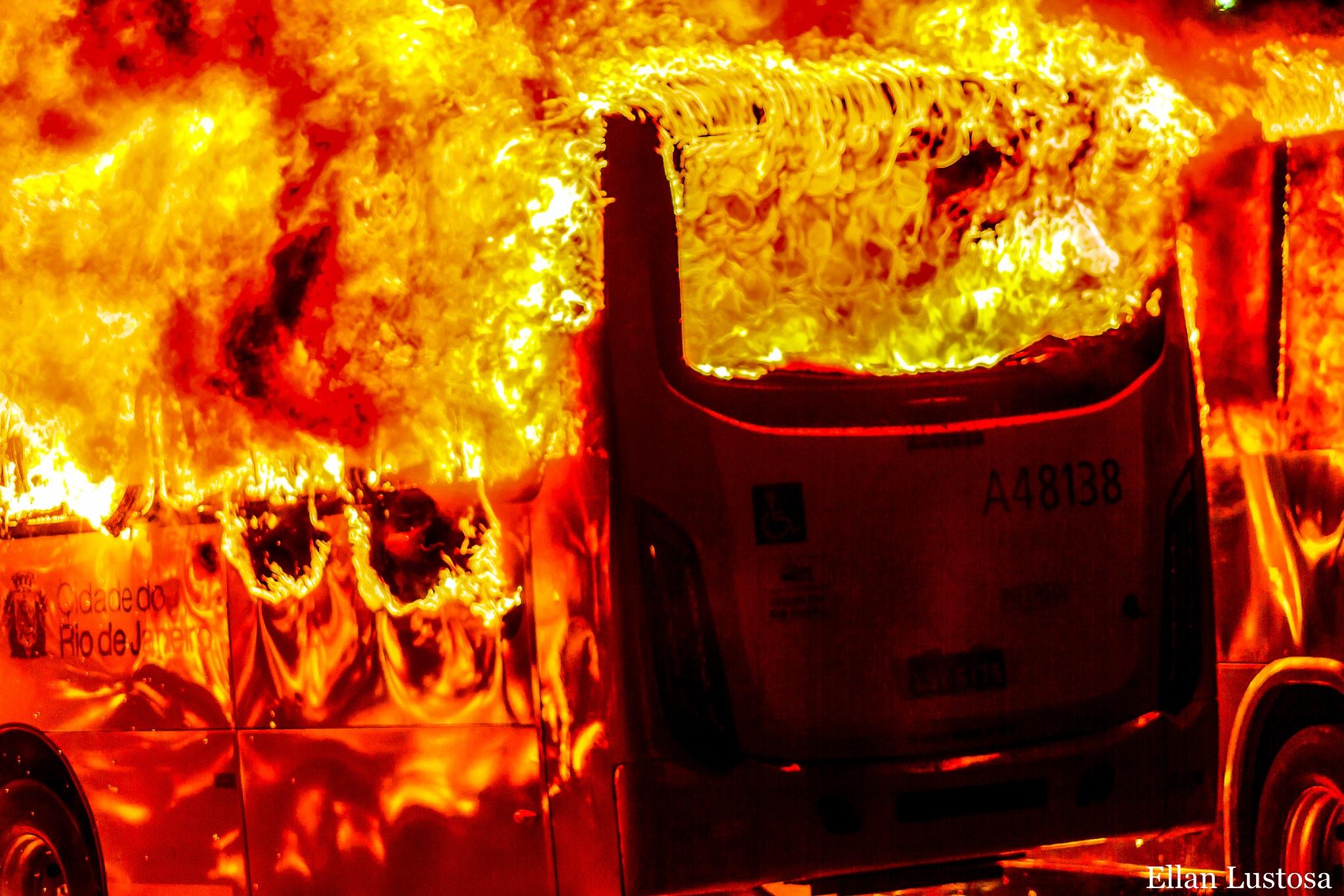 Fire by Ellan Lustosa Photojournalist