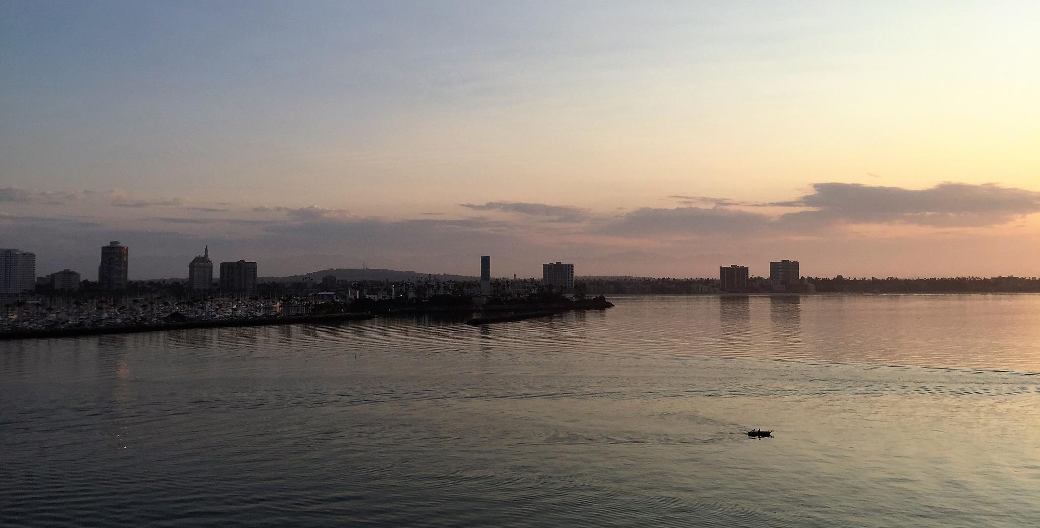 Wake up Long Beach by Sen5