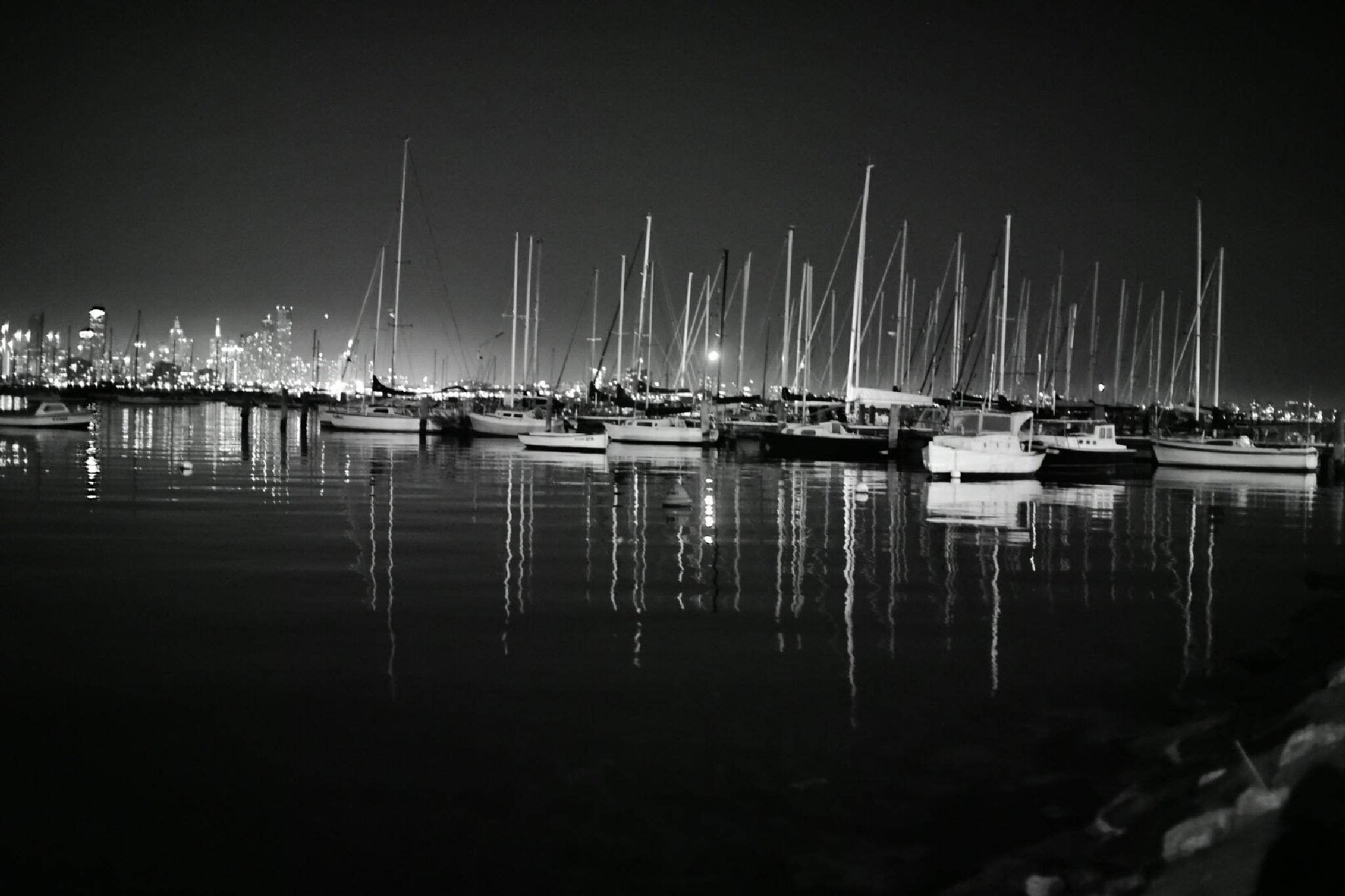 city reflections by Lesya Aleksandrovna