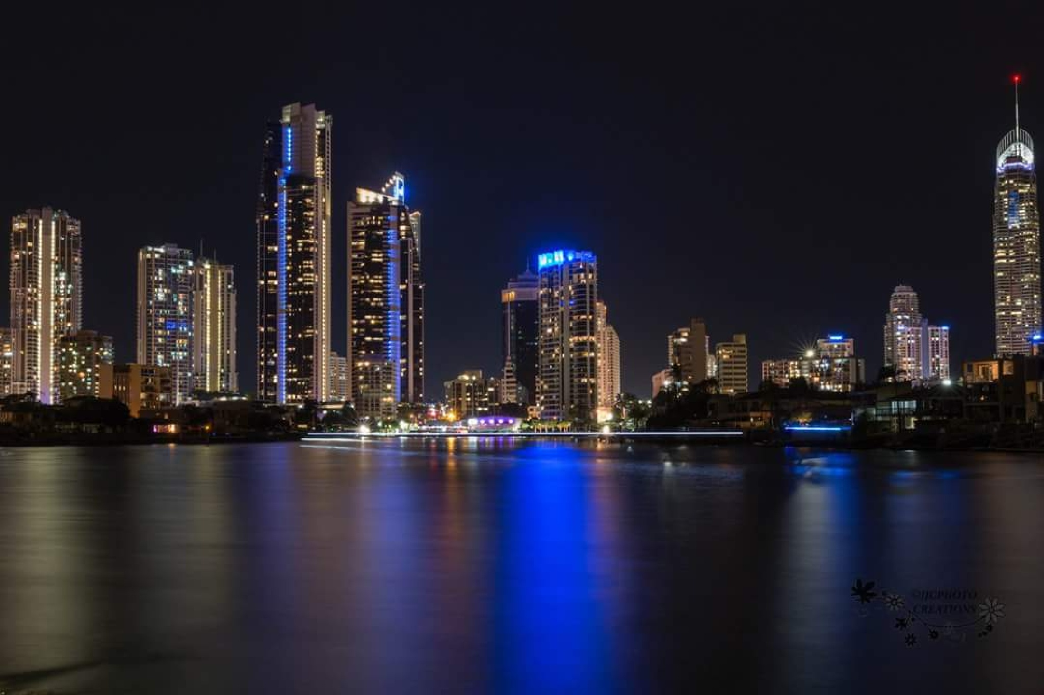 Quick shot taken last night of Surfers Paradise by LeanneT
