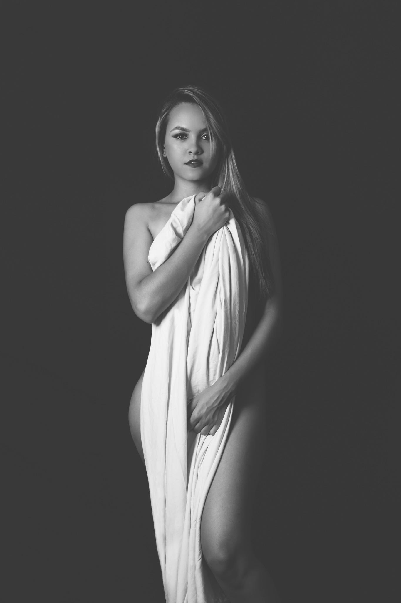 Goddess by priscilamaboni