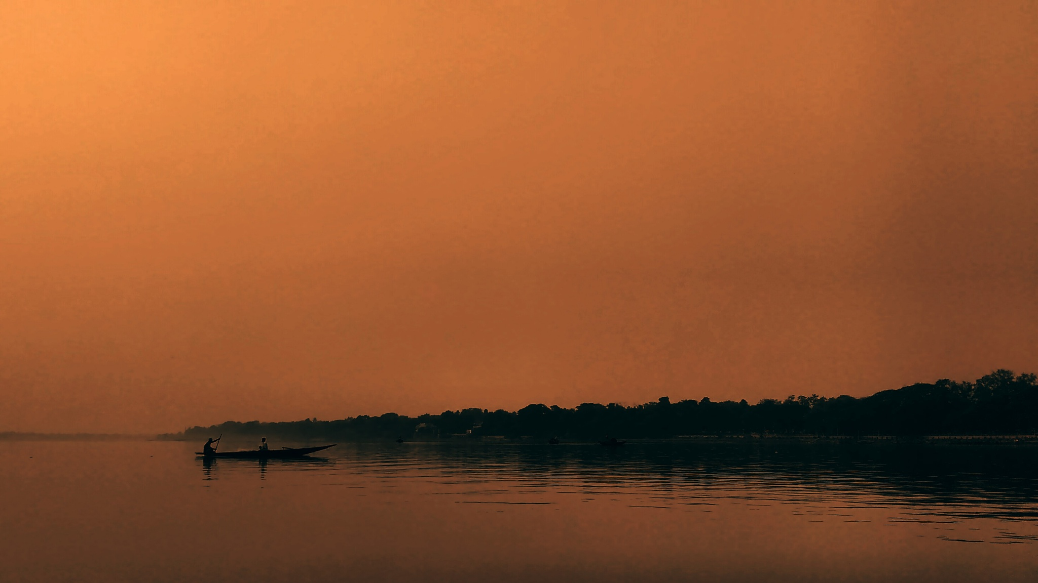 Gliding in tranquil. by SabujGhosh