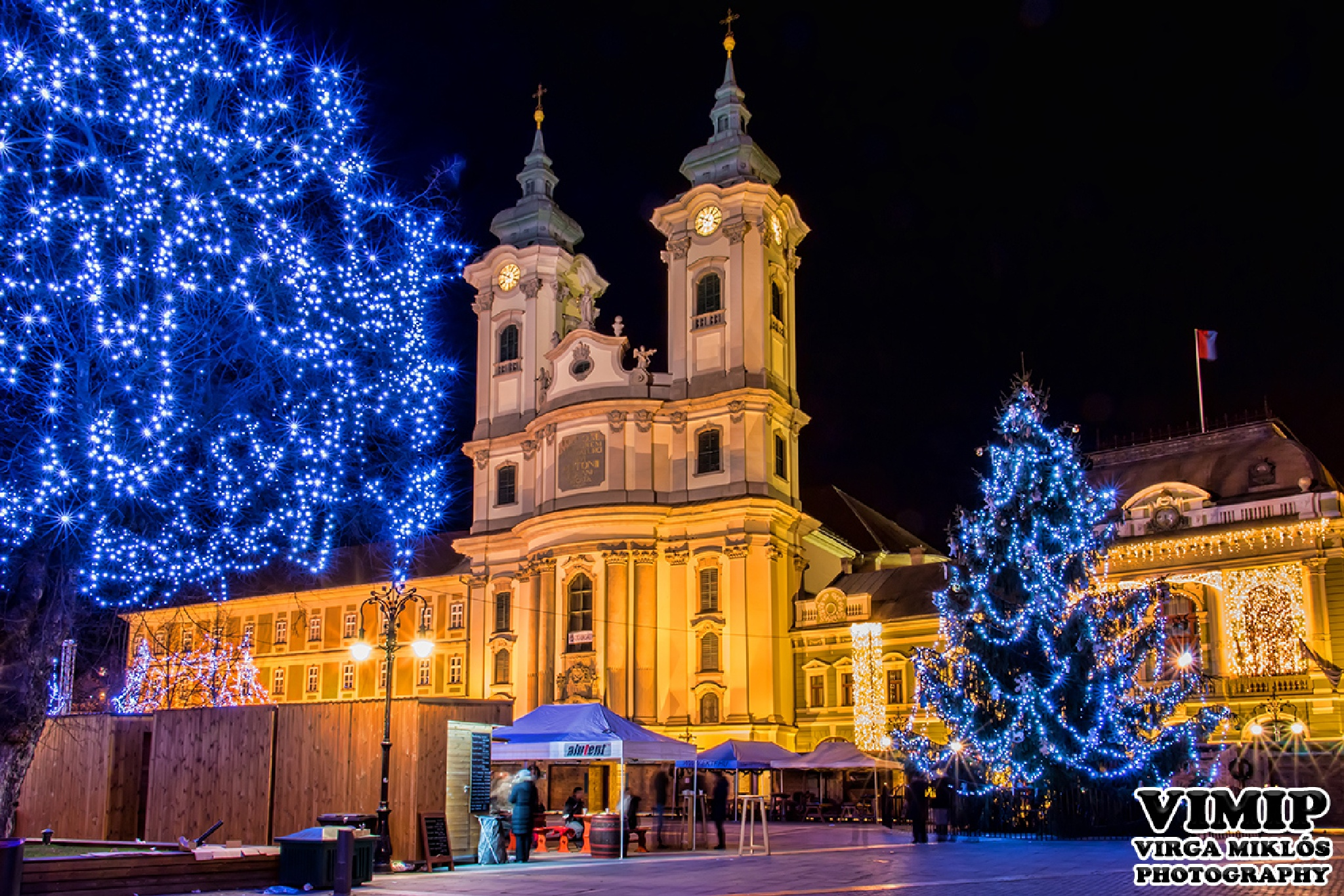 Main square of Eger in Christmas lights by VIMIP (Virga Miklos Photography)