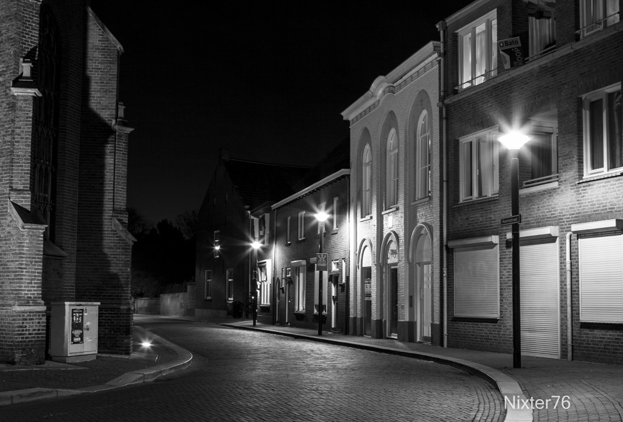 Straat in Oss by NikivandeLaar