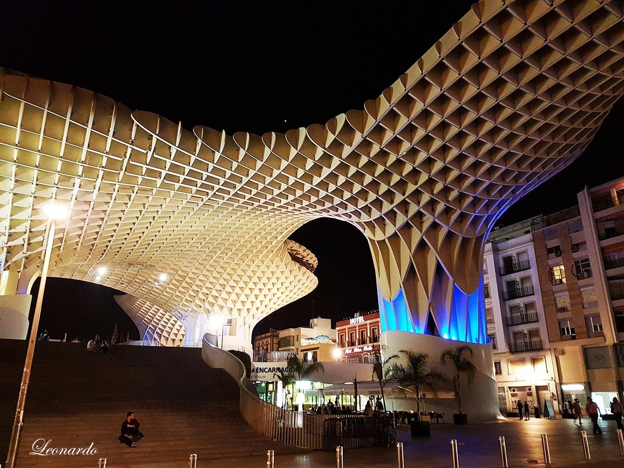Sevilla -Metropol Parasol  by gravinall