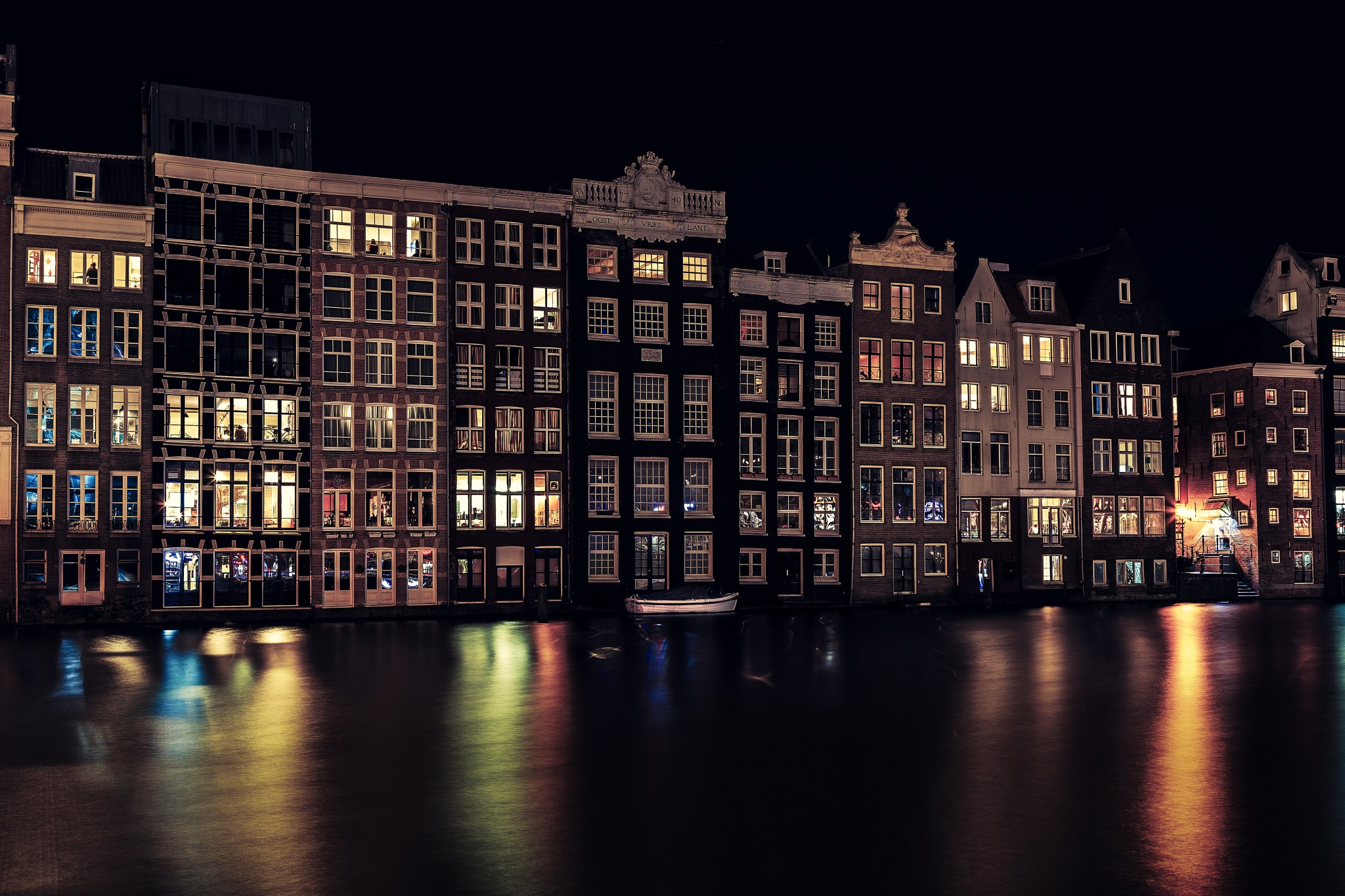 Beautiful Cold Night at Amsterdam by Hameed S