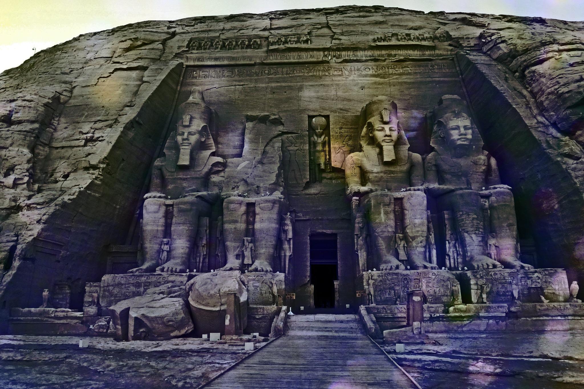 Abu Simbel montage by astarot