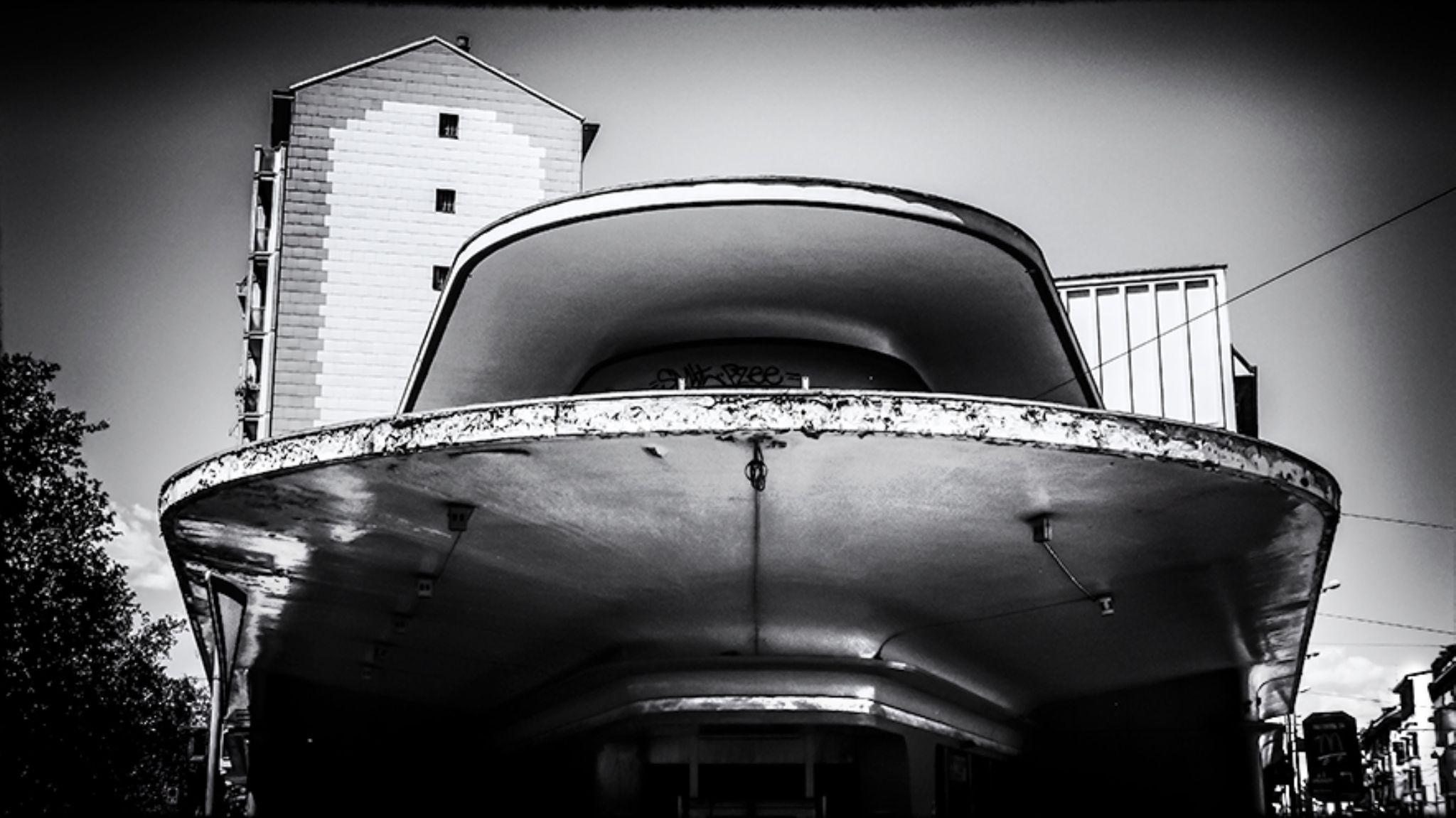 spaceship by claudio naboni