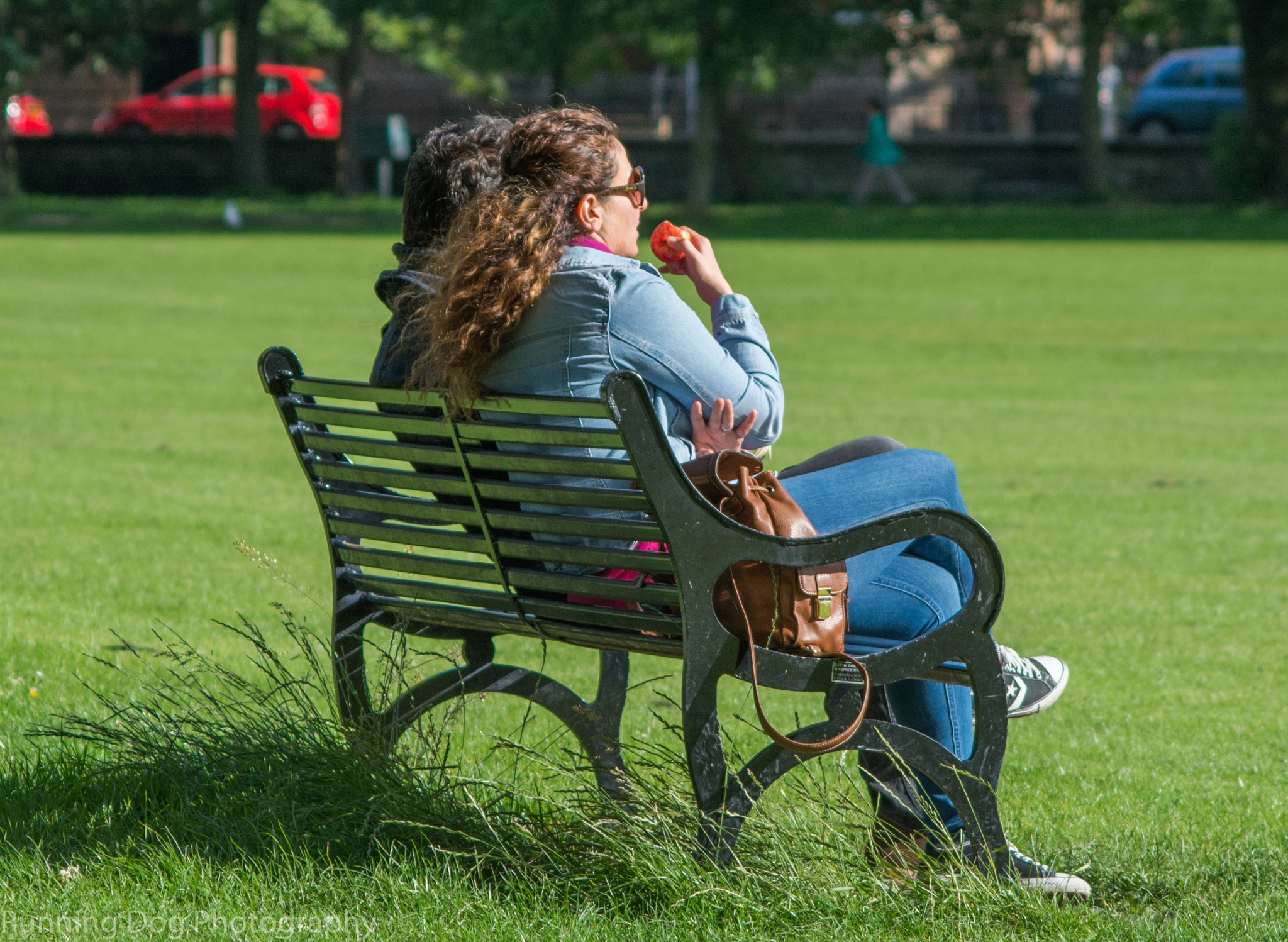 Snack in the park by Simon Evans