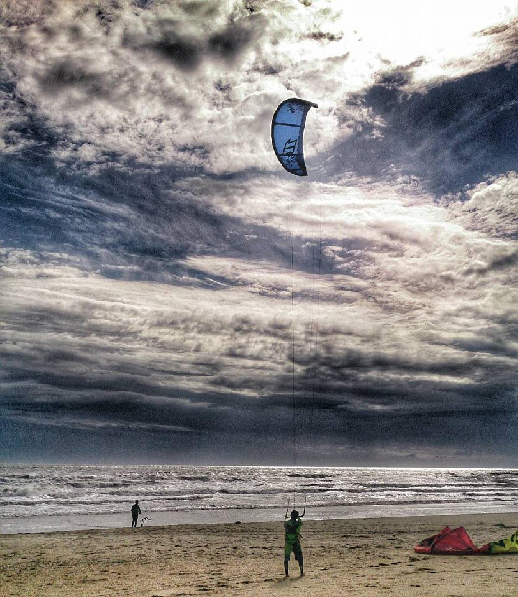 Kiteboareding by Manuela Azevedo