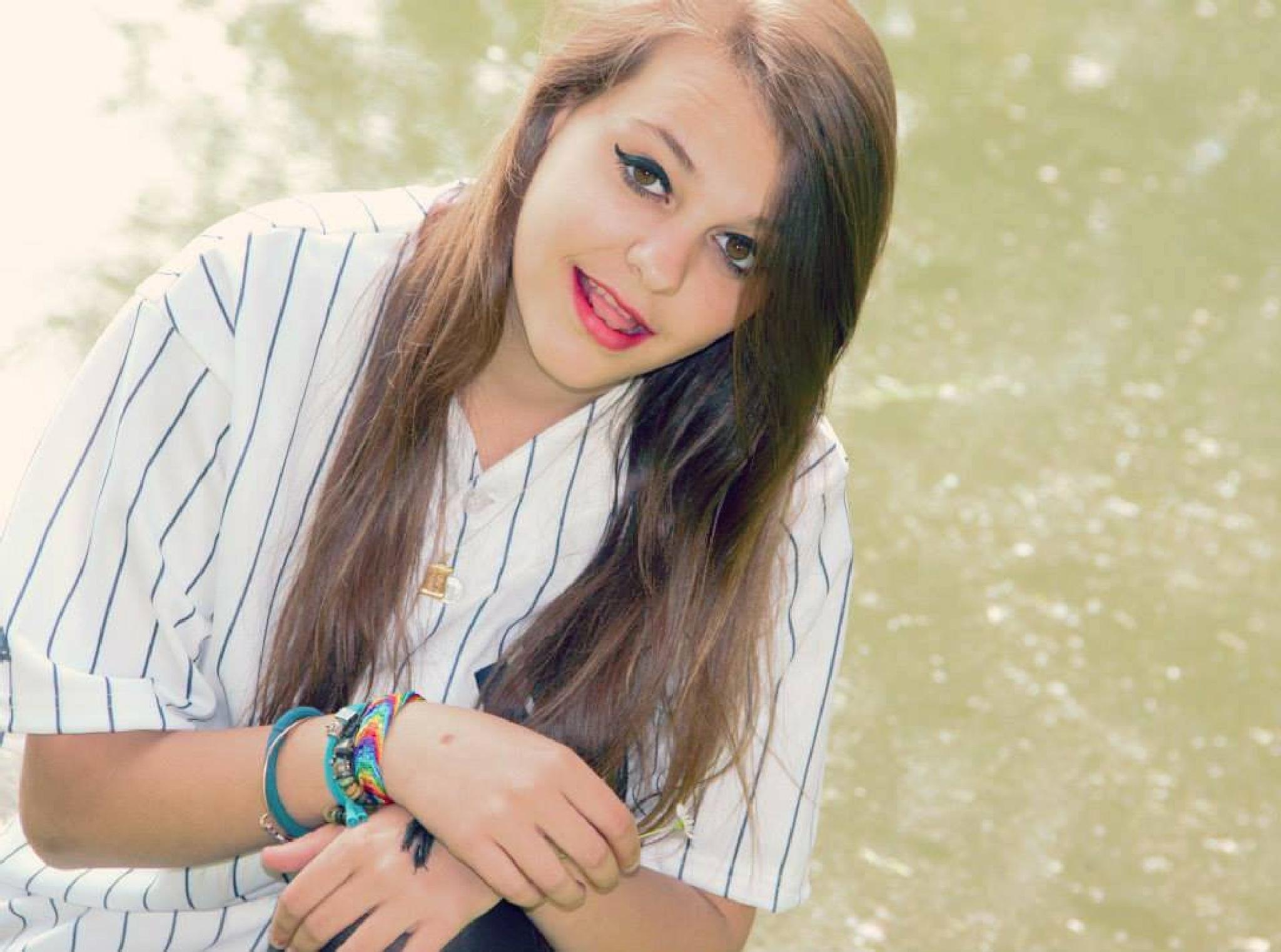 simple girl by Mahmudur Rahman Khan
