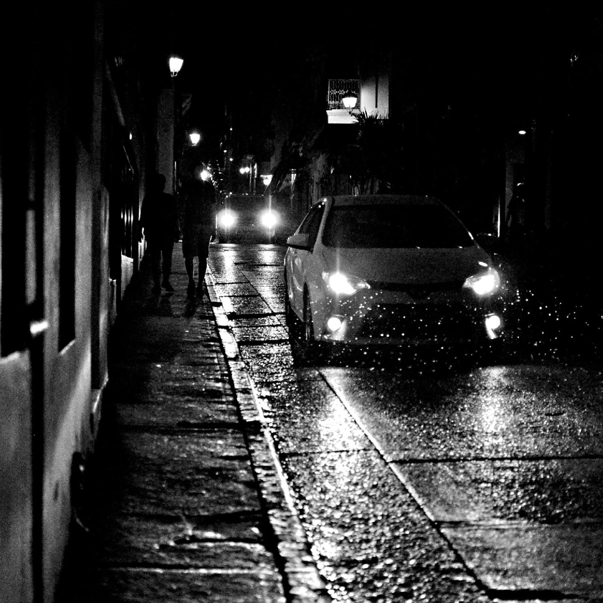 Nighttime rain by Nilda64pr