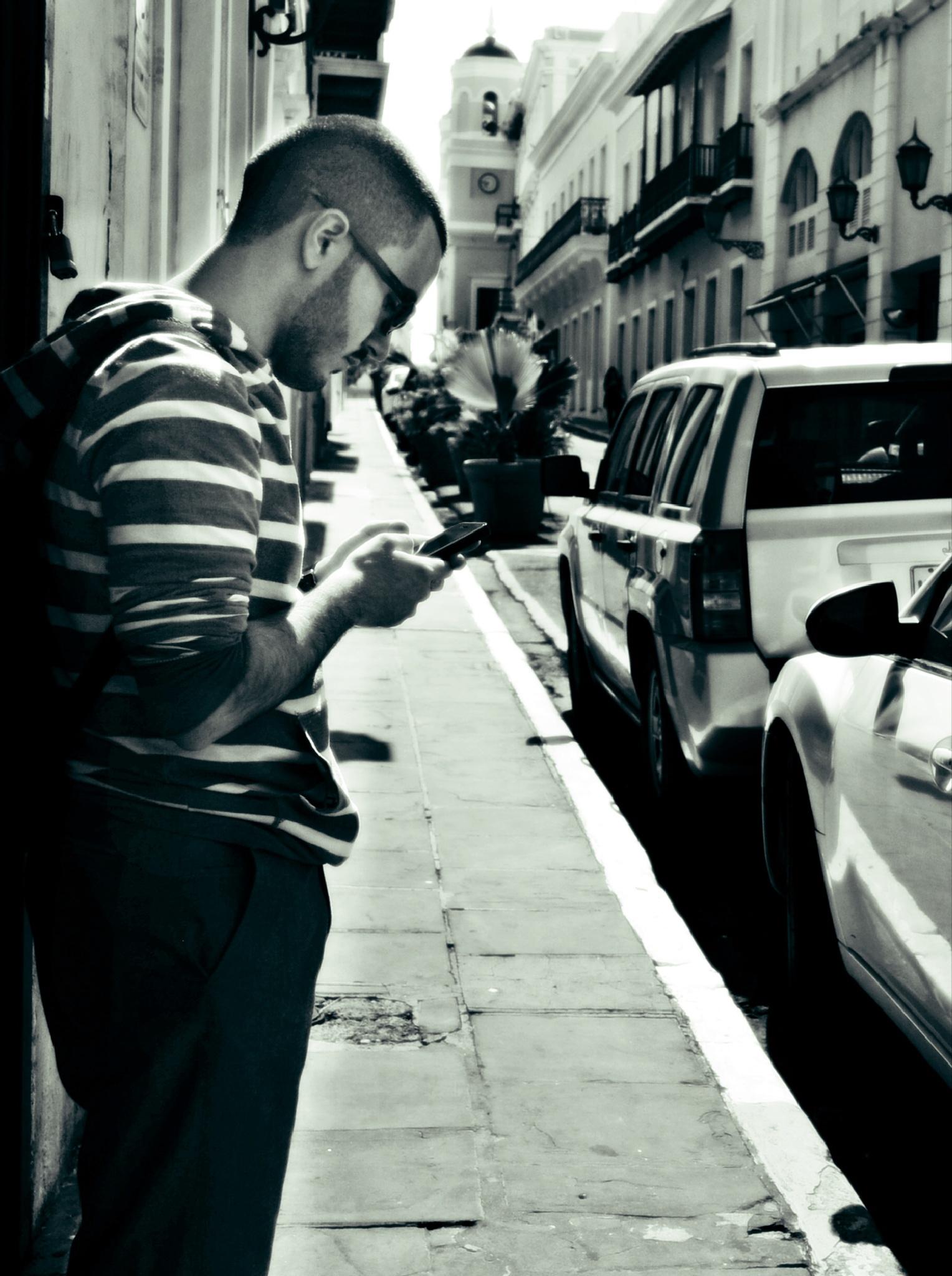 Texting by Nilda64pr
