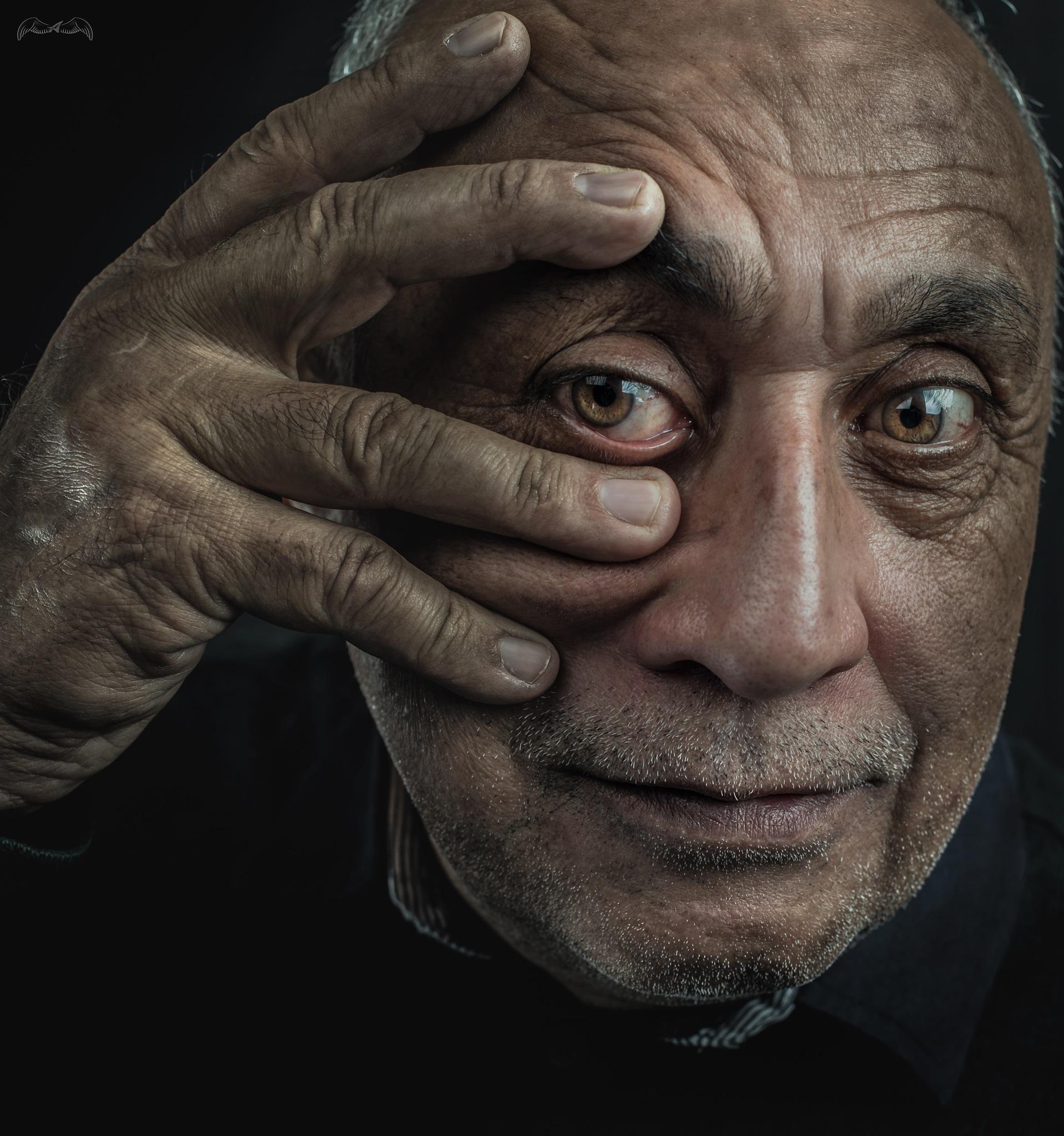 Look inside my eye... by Ahmed AL-karadi