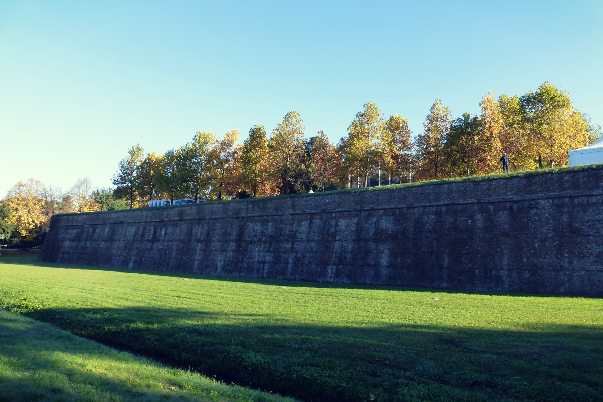 Lucca's wall  by Misa Amane