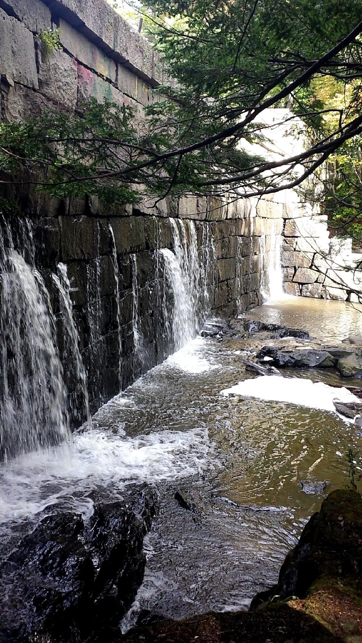 water  by PrincessButtahnutz