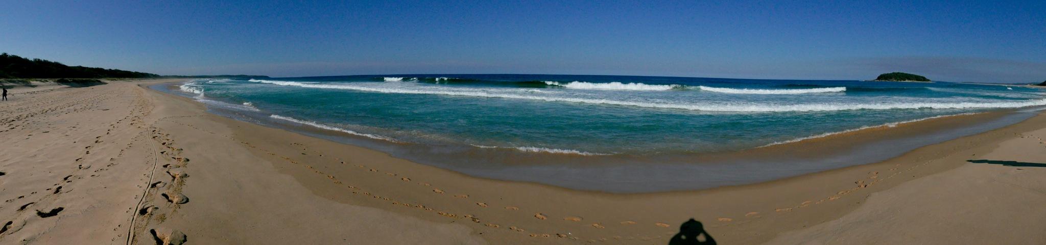 Narrawallee Beach NSW Australia by Graham Levi