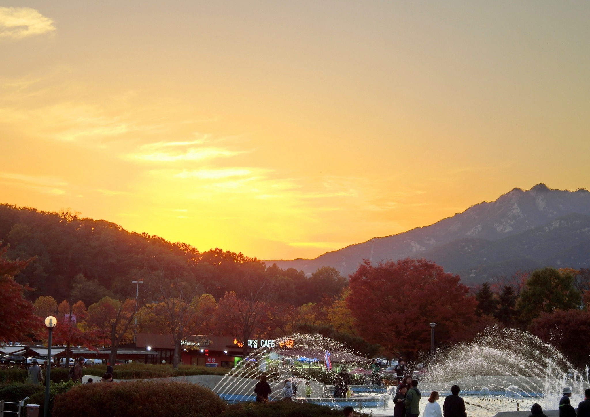 Sunset at Seoul Grand Park by pop88123