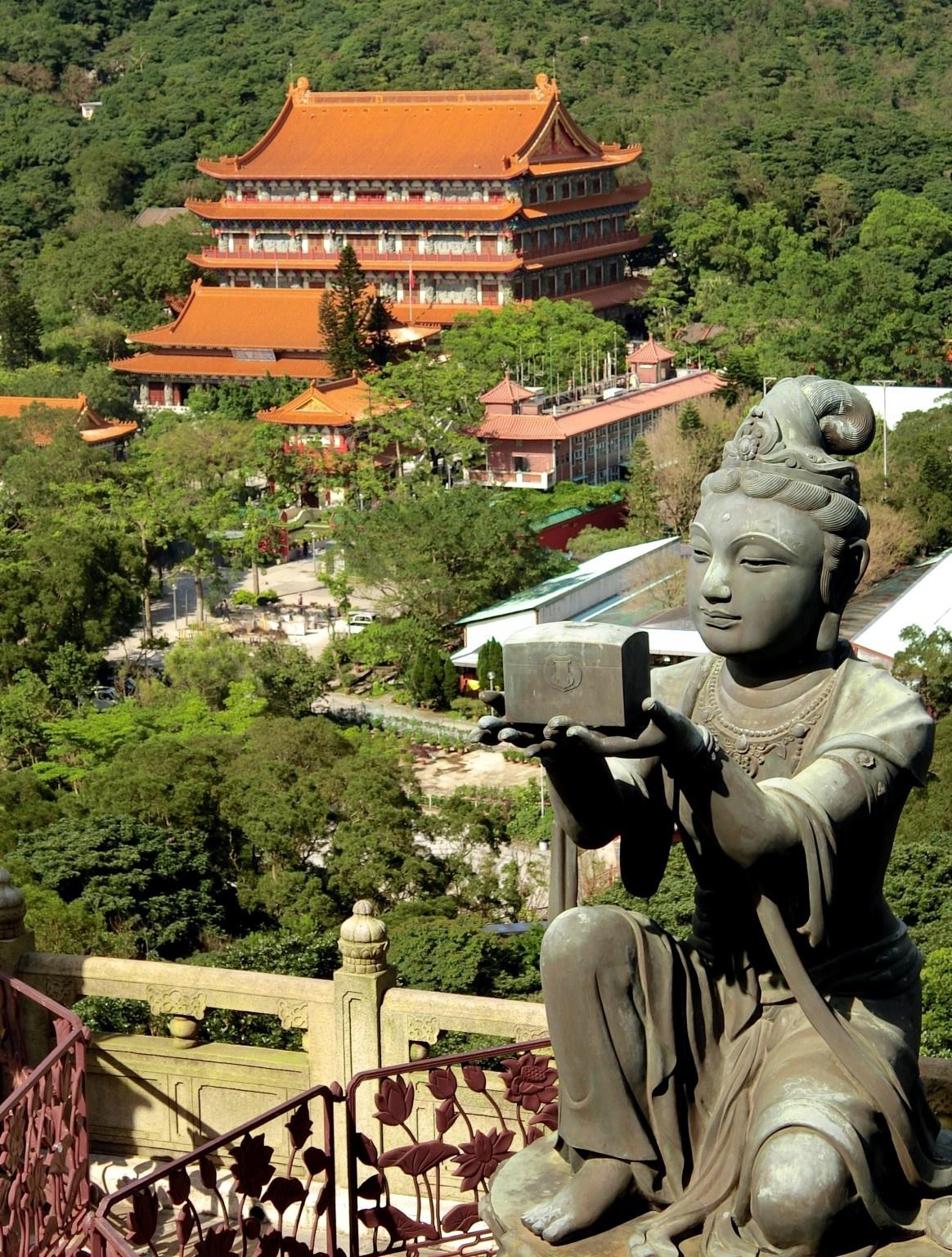 Po Lin Monastery by pop88123