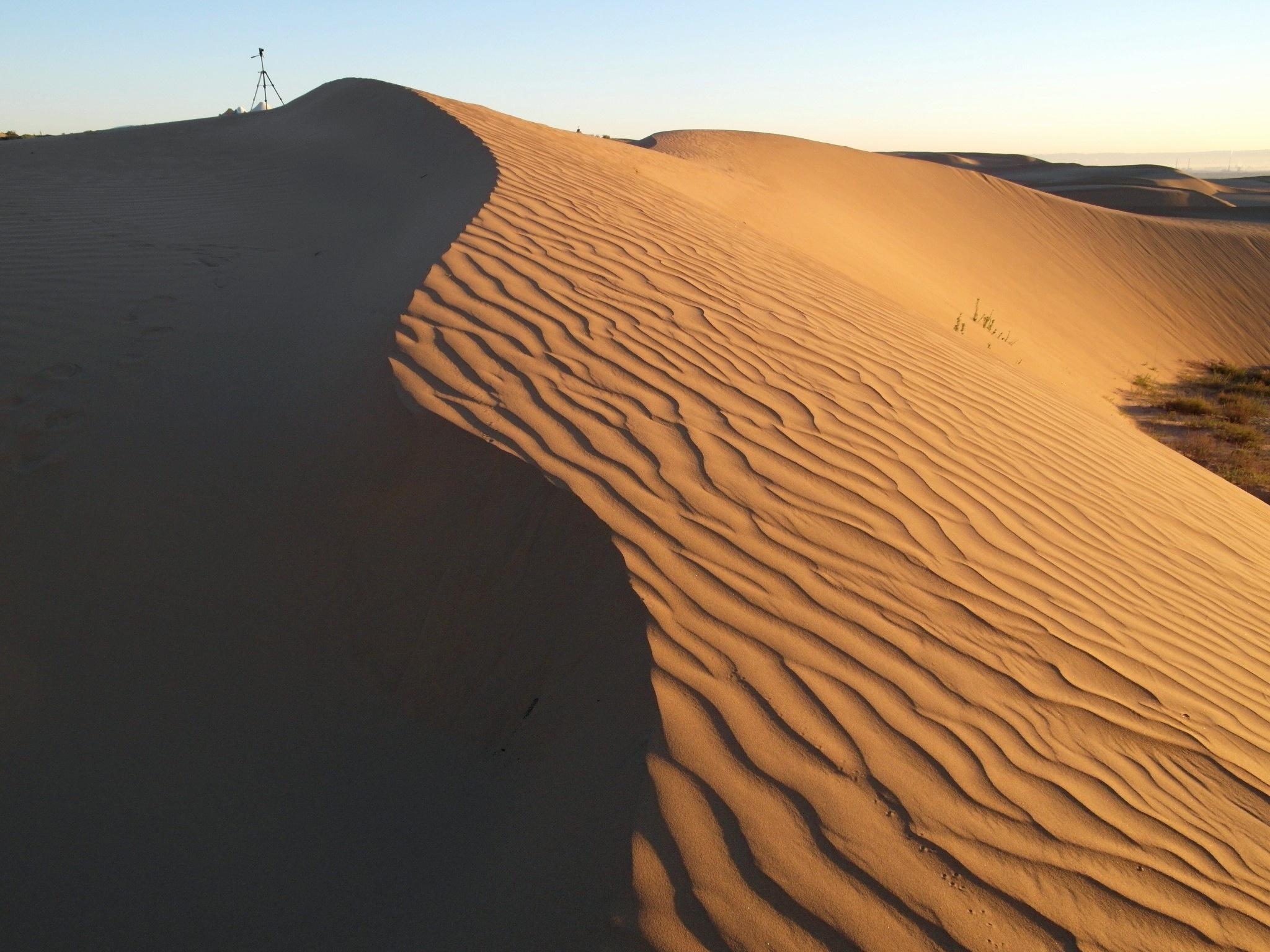 Sunrise, Xiangshawan desert by pop88123
