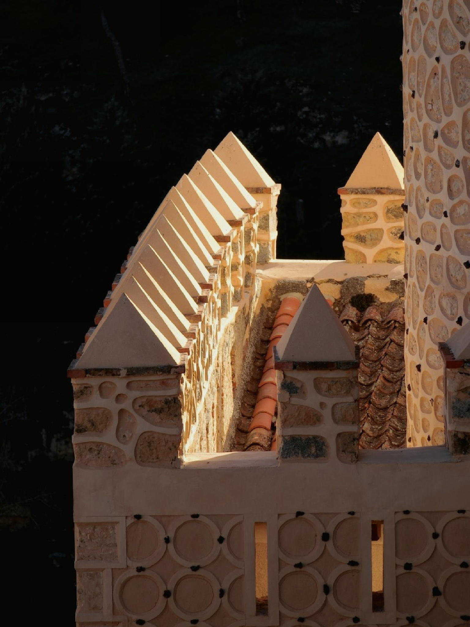 Alcazar de Segovia, Spain by pop88123