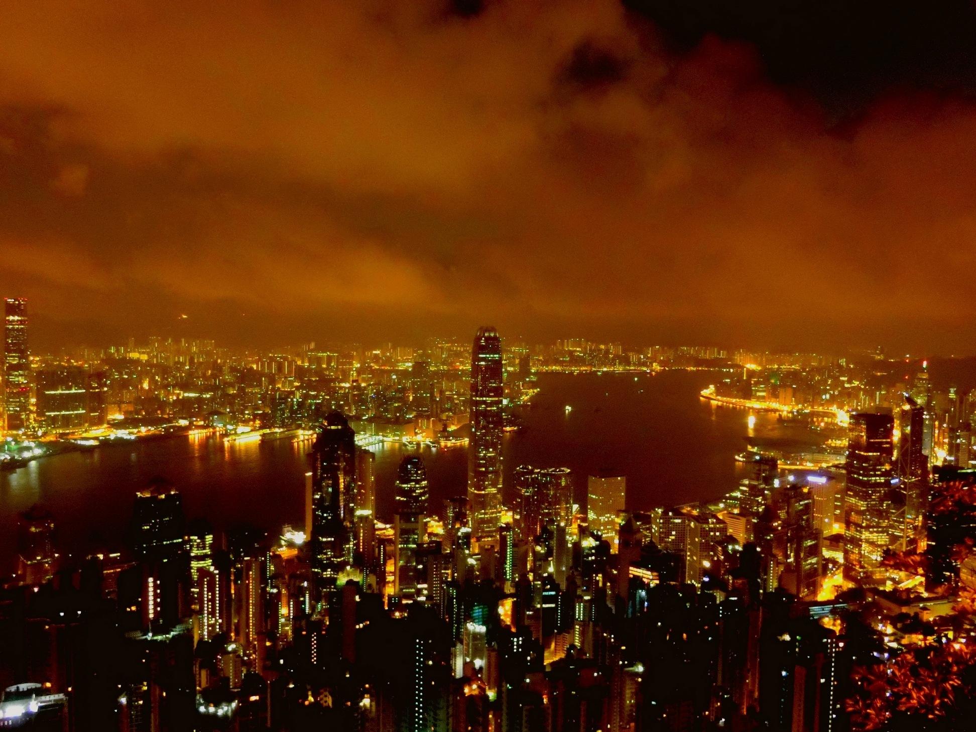 Hong Kong at night-2 by pop88123
