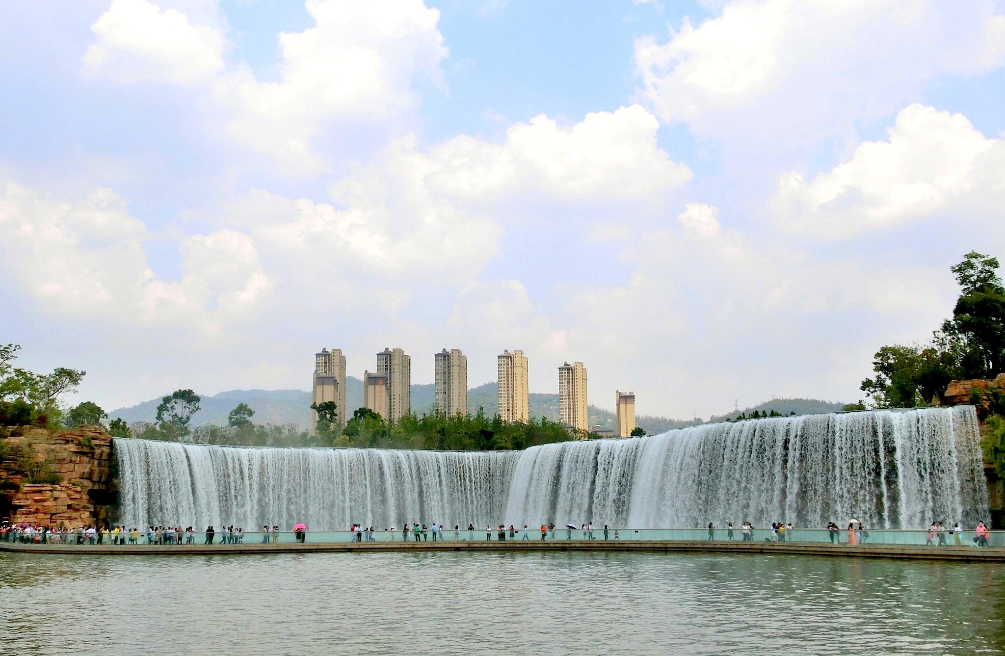 Kunming Waterfall Garden-1 by pop88123