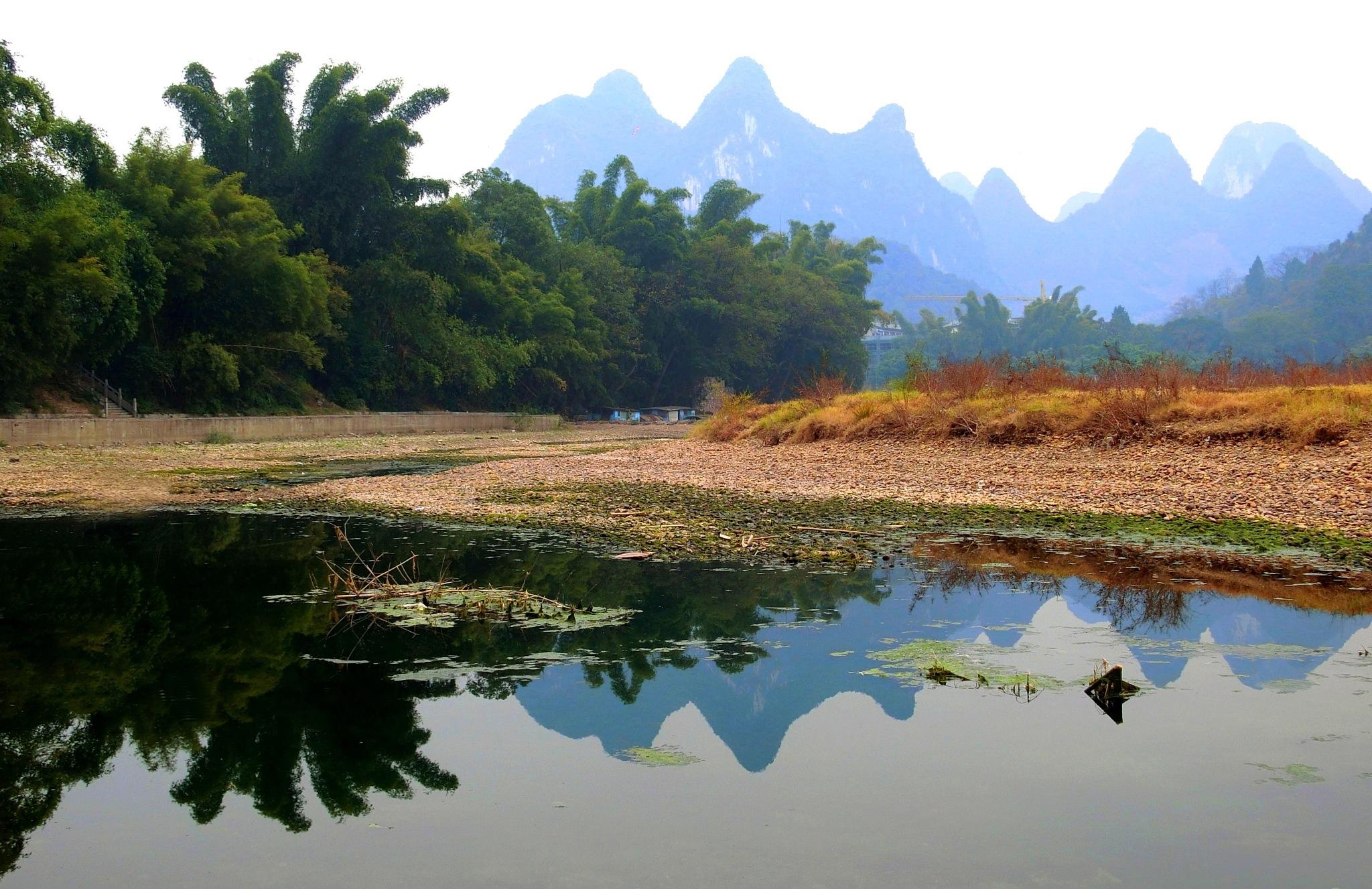 Riverbank, Li River by pop88123