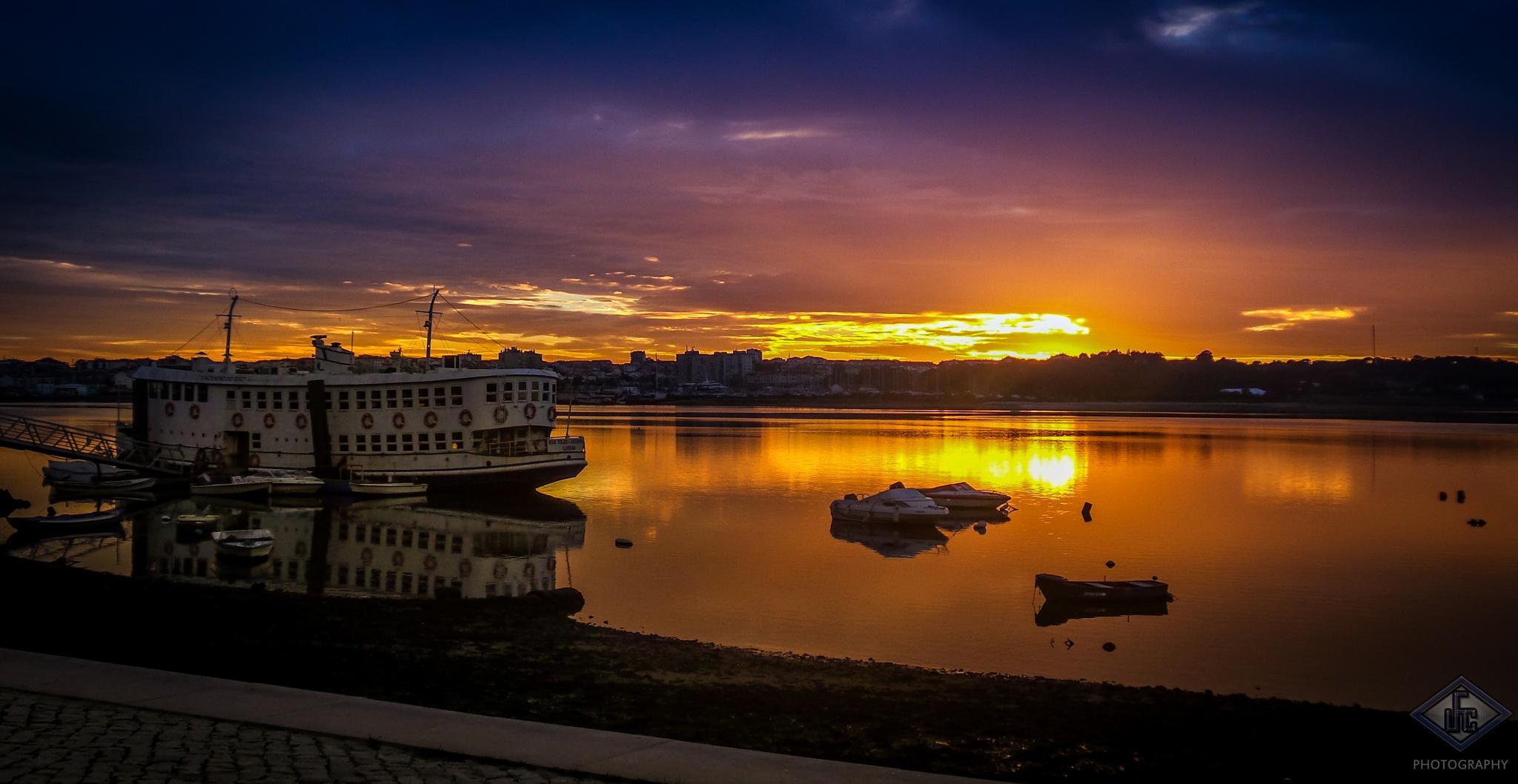 Baía do Seixal by LuisFilipeCorreia
