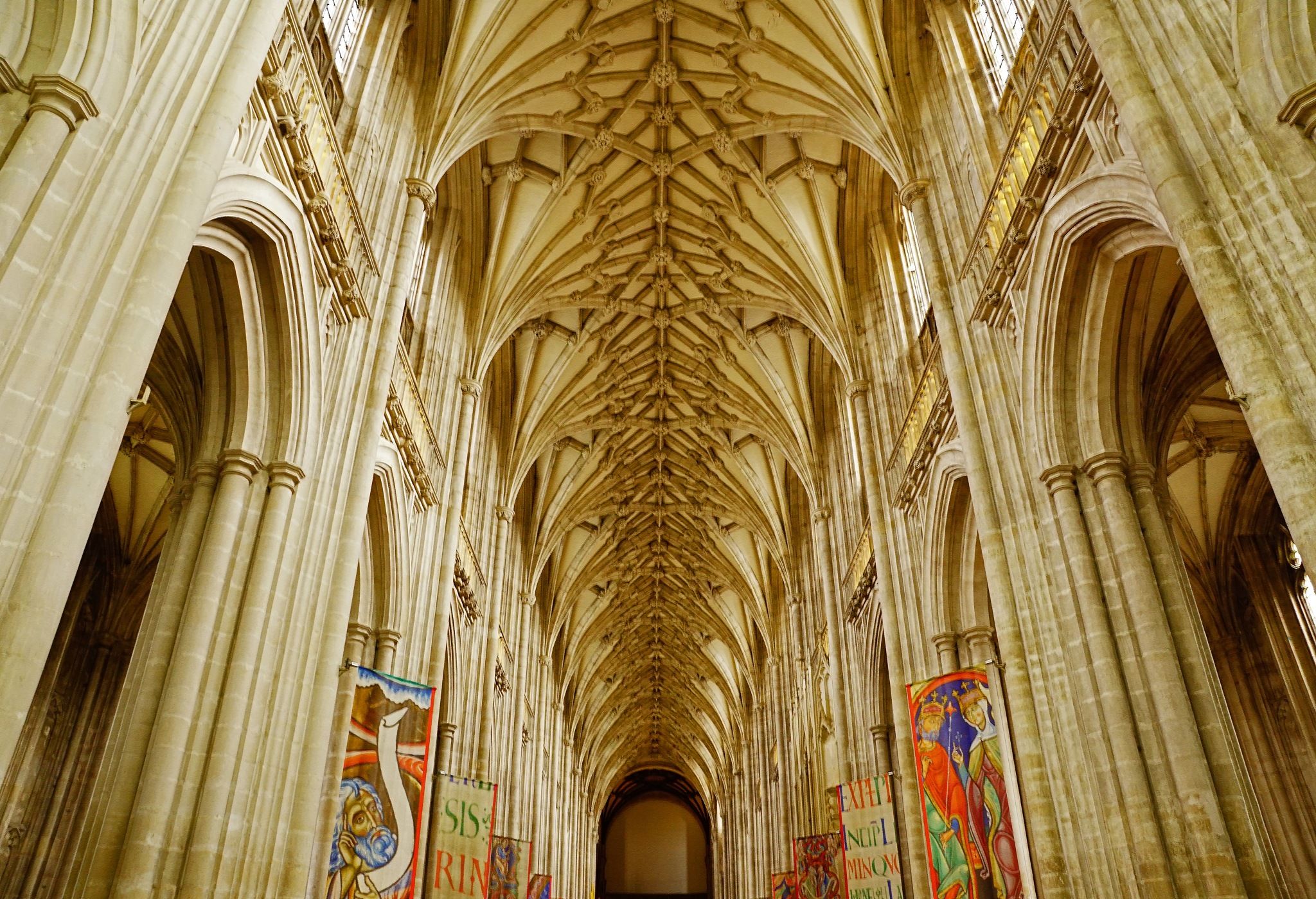 Winchester Cathedral by BendTheLens