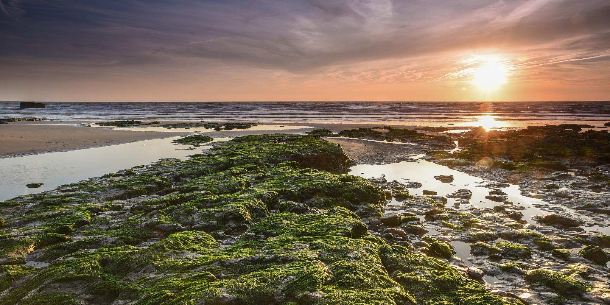 Sunrise at Bawdsey by jonkennard