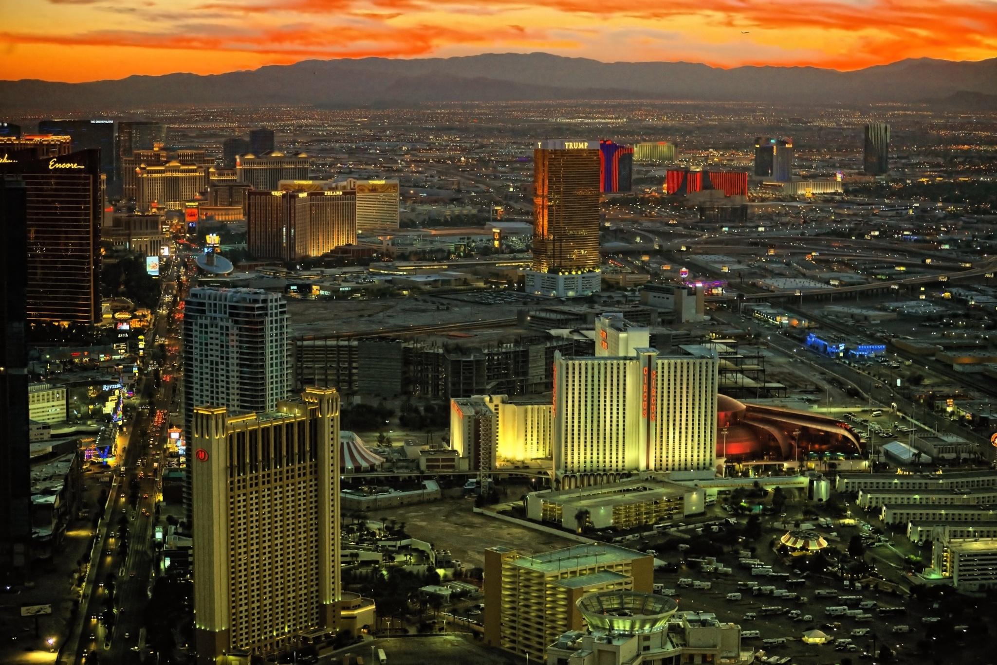 Las Vegas, Nevada by Nelson Sibulo