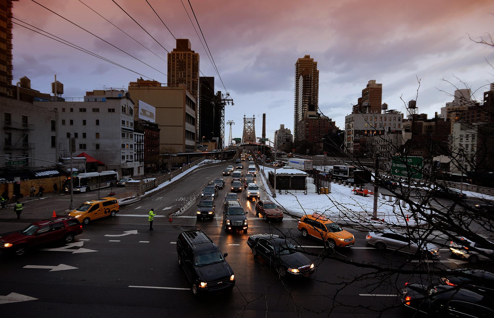Roosevelt Island Tramway by Nelson Sibulo