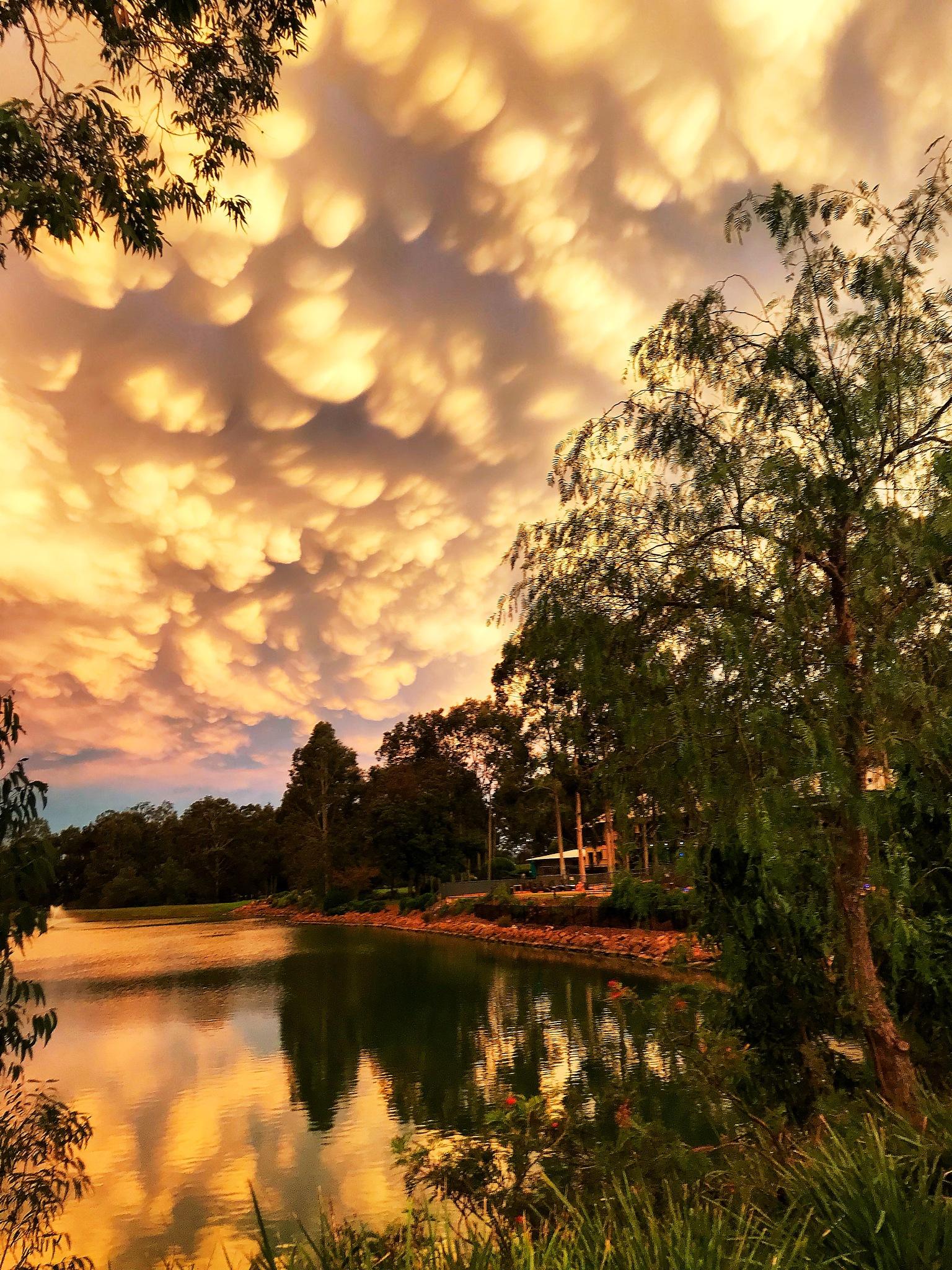 Fluffy Sky by djskinnylatte