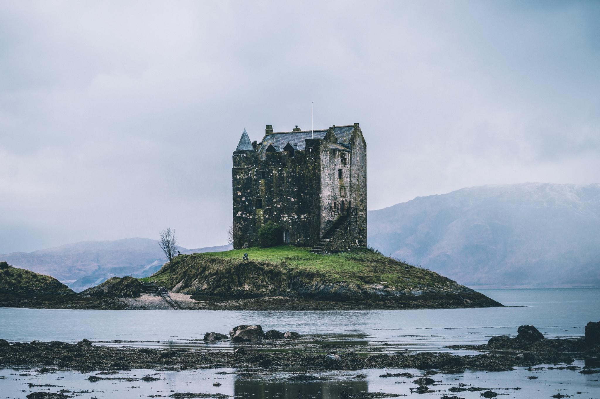 Castle Stalker on the Loch by KevinLeadbetter