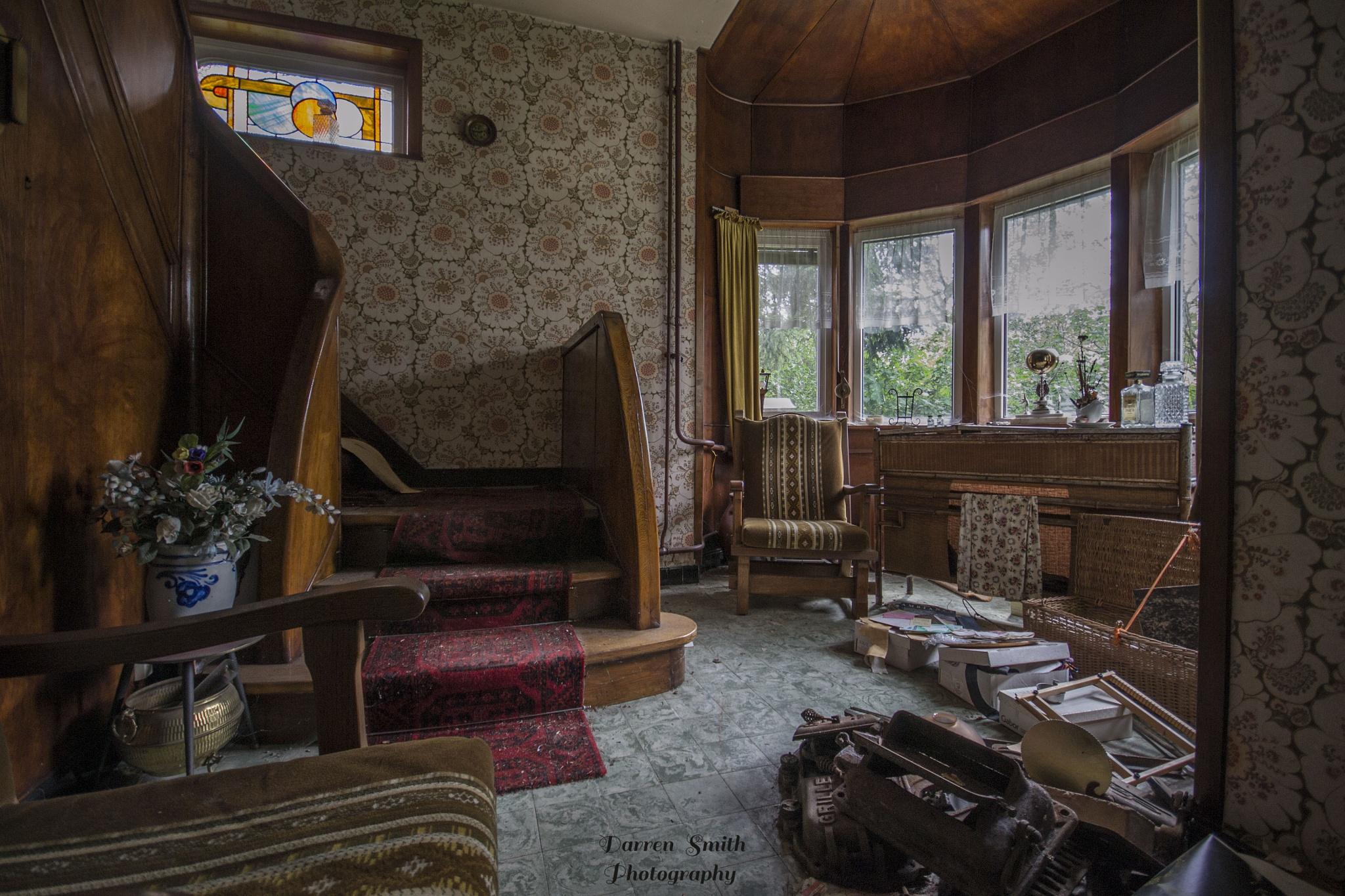 'Art Deco' by Darren Smith