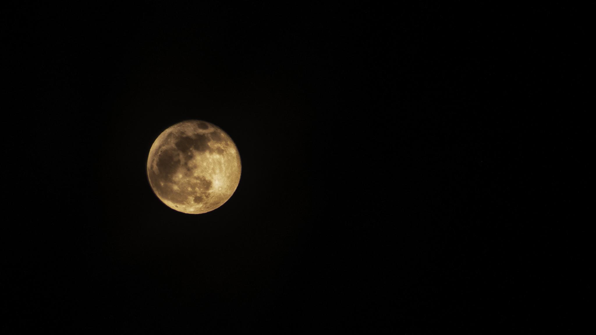 Moon by FoTorsten