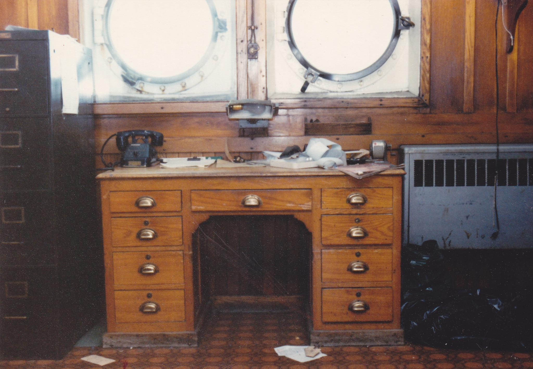 CAPTAINS DESK by M. Wryter