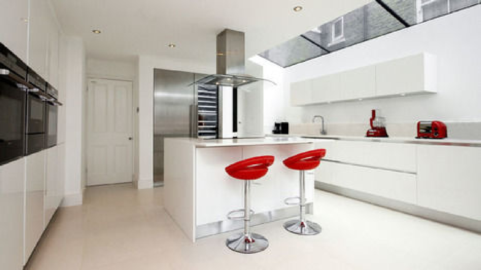 Top Quality Luxury Kitchen in London by cococucine