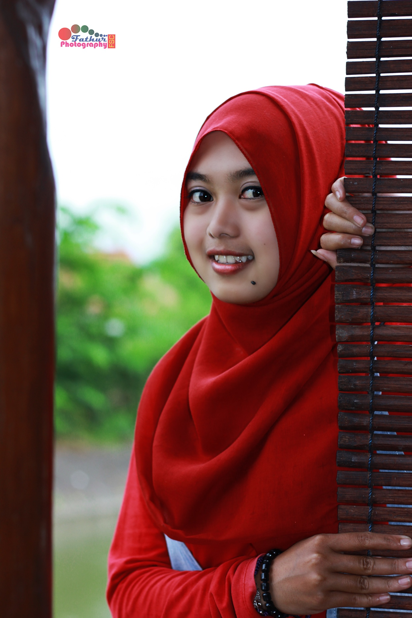 Natural Beauty Hijabr in INDONESIAN by Fathur Fsc