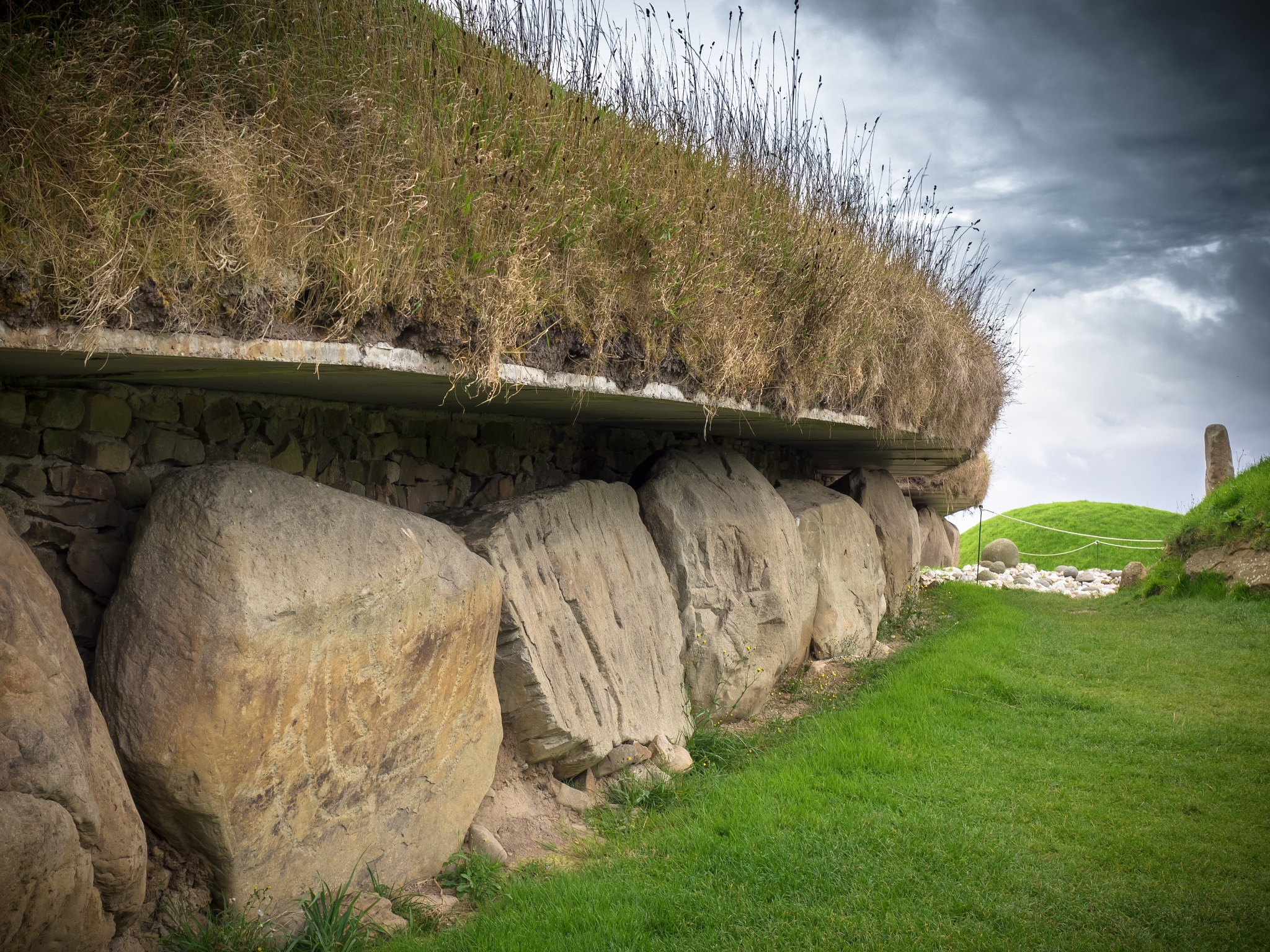 Passage tombs at Knowth by Sarah Walters