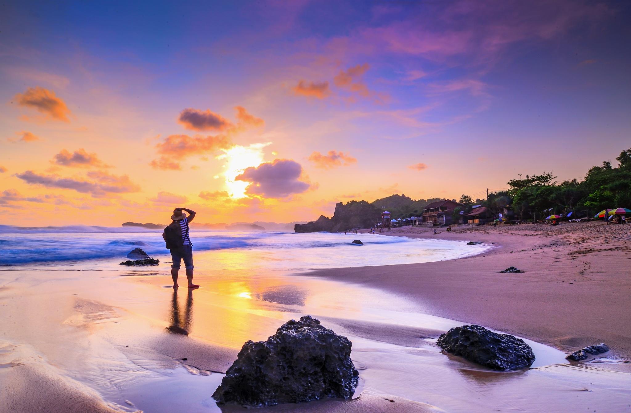 Twilight Indrayanti Beach by djerrybansaleng