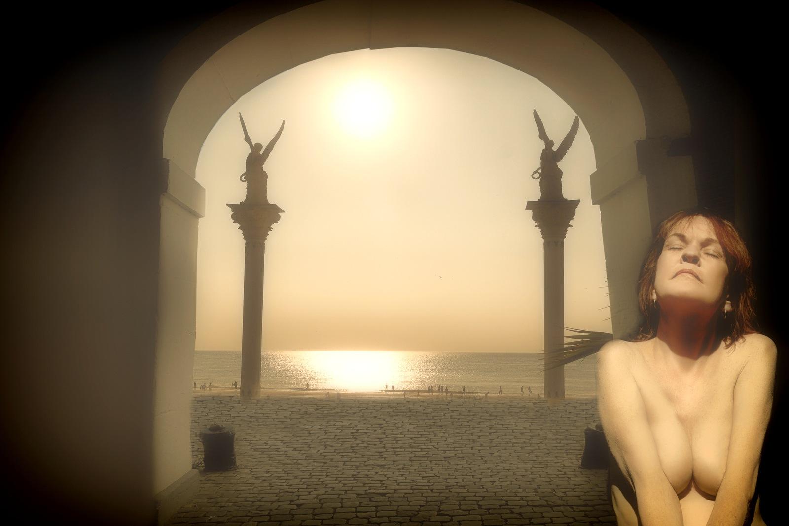 Sunbath by Ton de Vrind