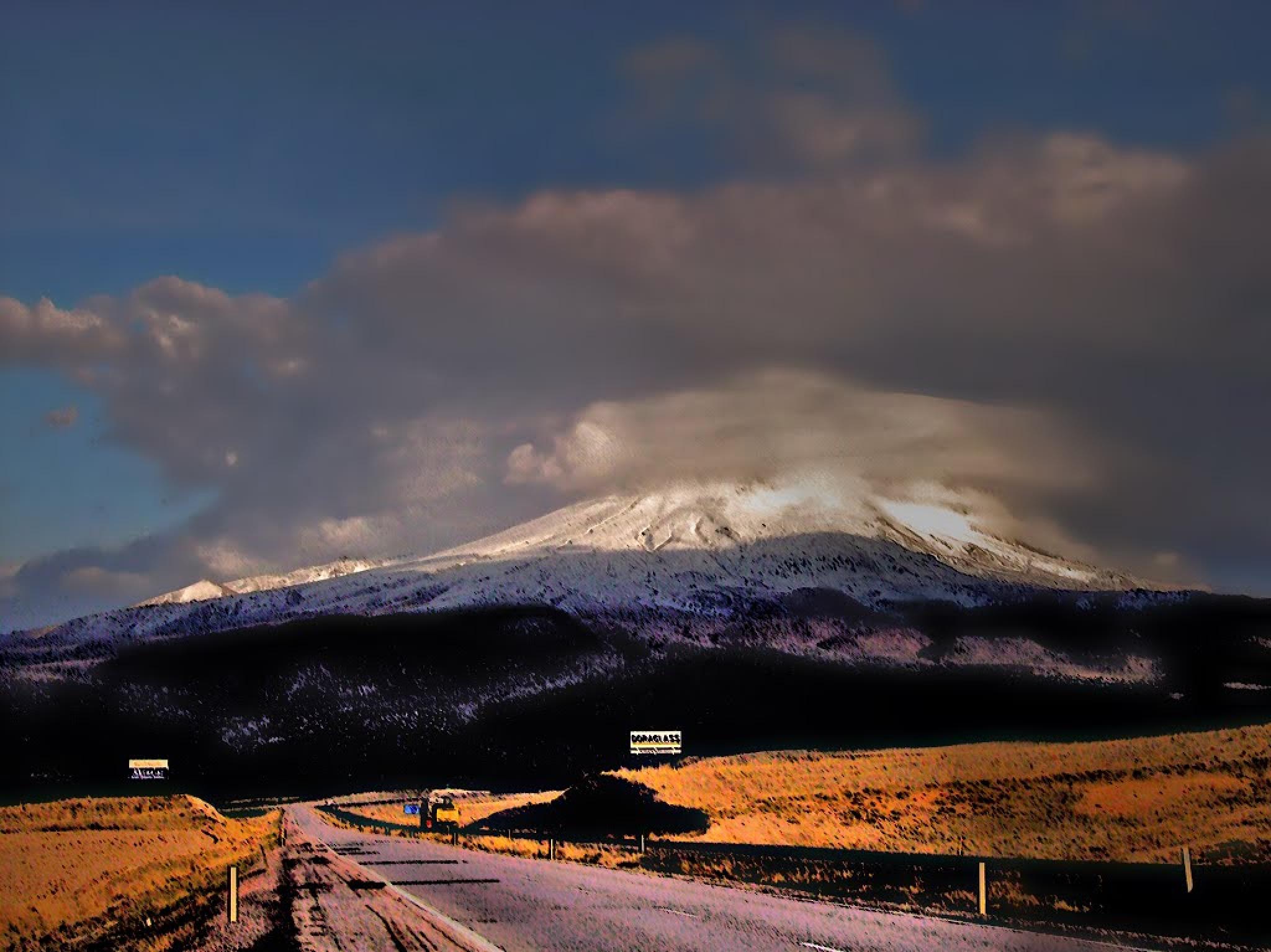 Mountain Hasan by refikyavas