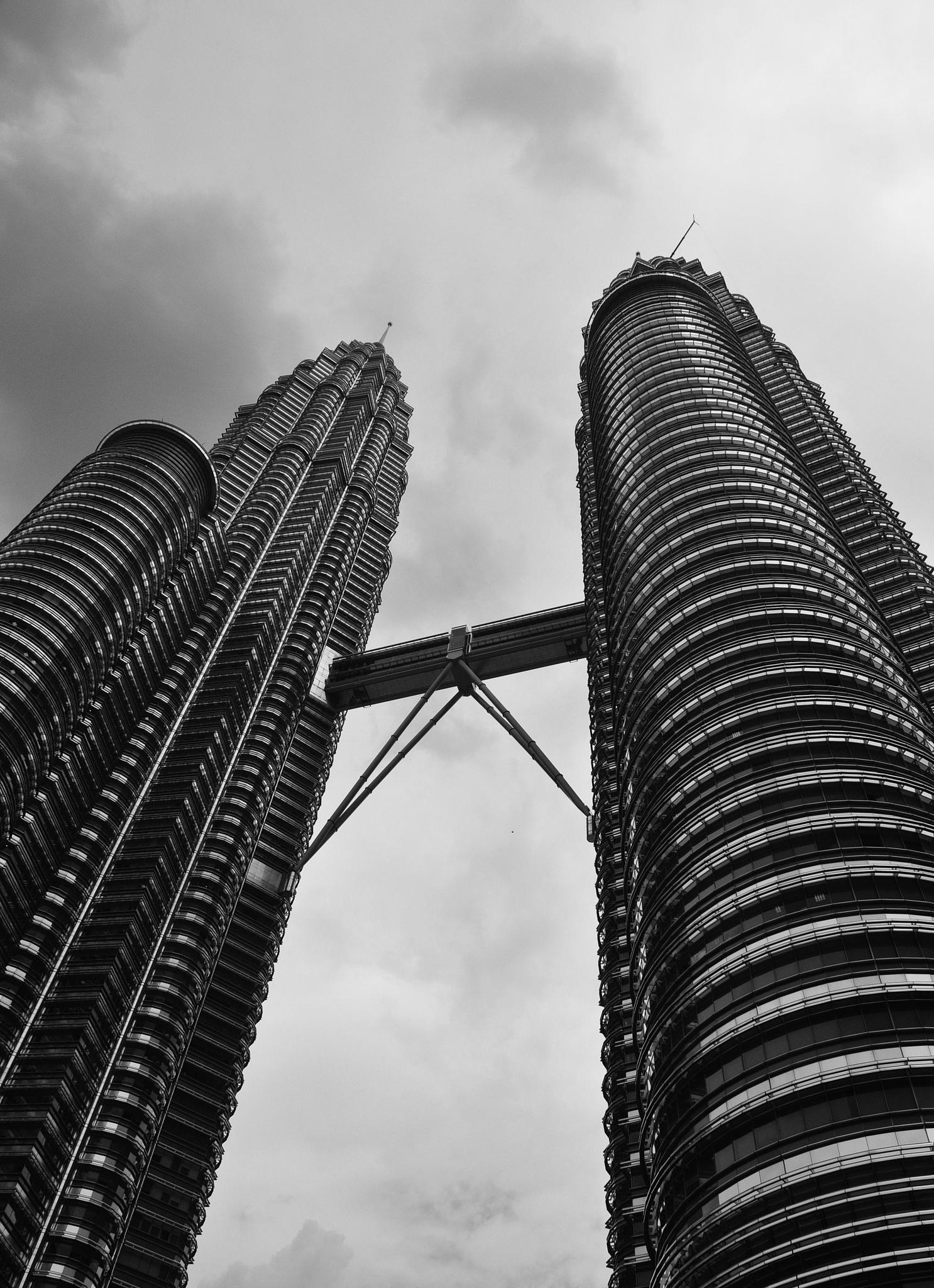 Petronas Towers by Jan