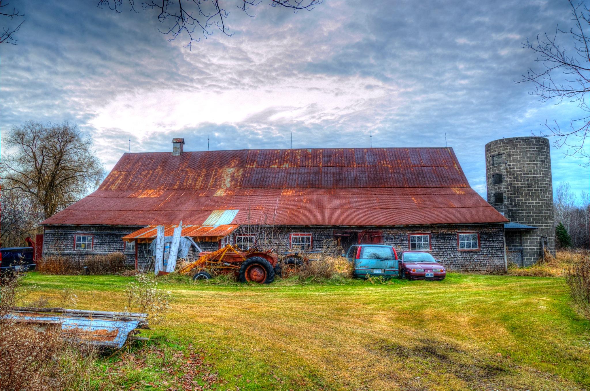 Ontario Barns by Paul Deveau