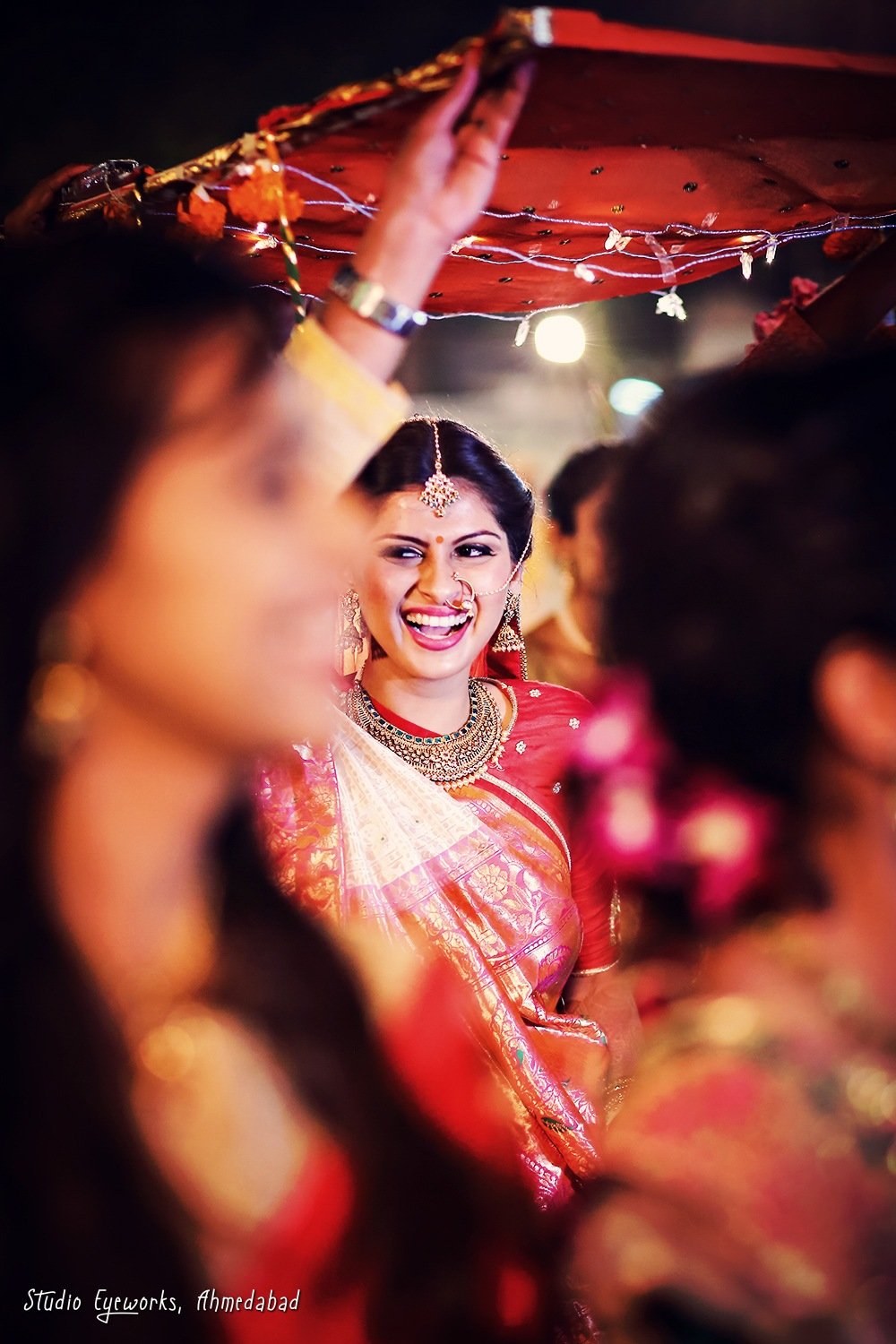 Candid Wedding Photography By Studio Eyeworks, Ahmedabad, Gujarat, India by Studio Eyeworks