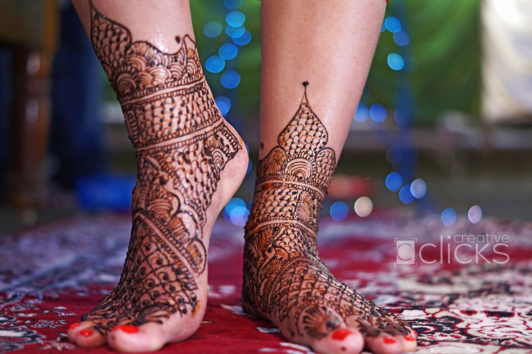 Mehendi of the to be bride girl by Lokanath Nayak