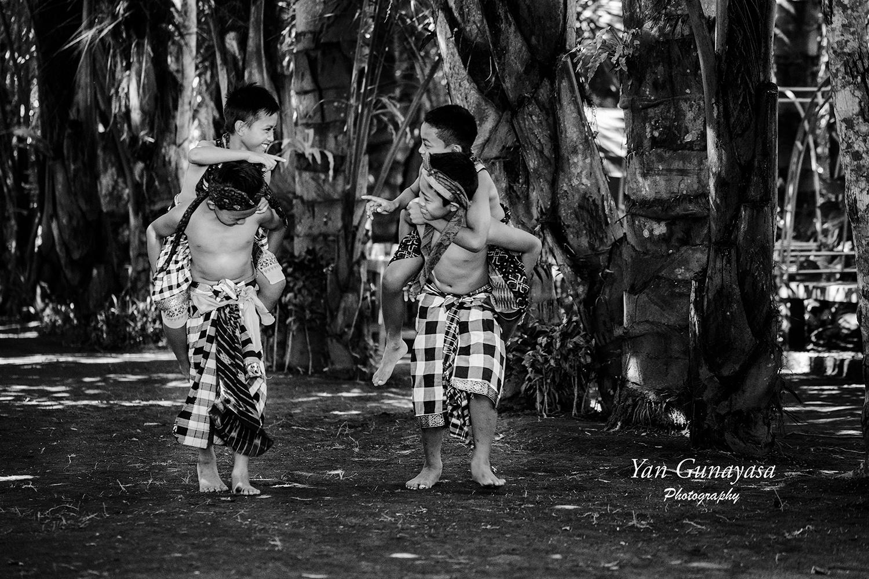 Kids playing by yangunayasa63