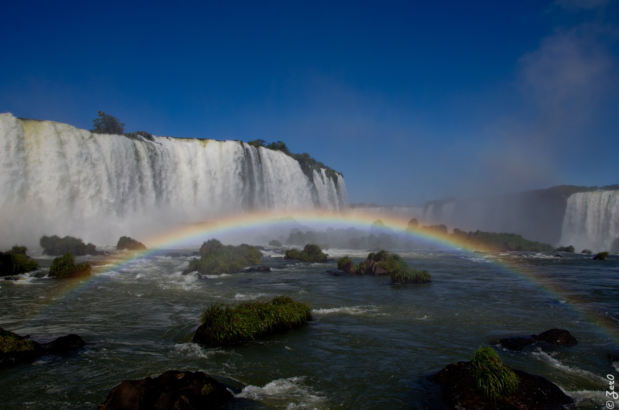 Foz Iguaçu by Jose Roberto Magalhaes